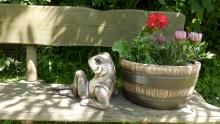 žába a kv,škopík, keramická zahradní dekorace