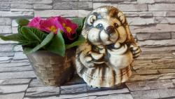 ježková s květináčem,osazovací keramická dekorace