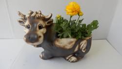 kráva květináč zahradní,keramická,osazovací dekorace