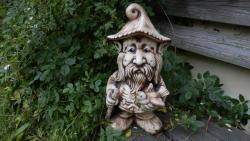 skřítek zahradní,keramická dekorace